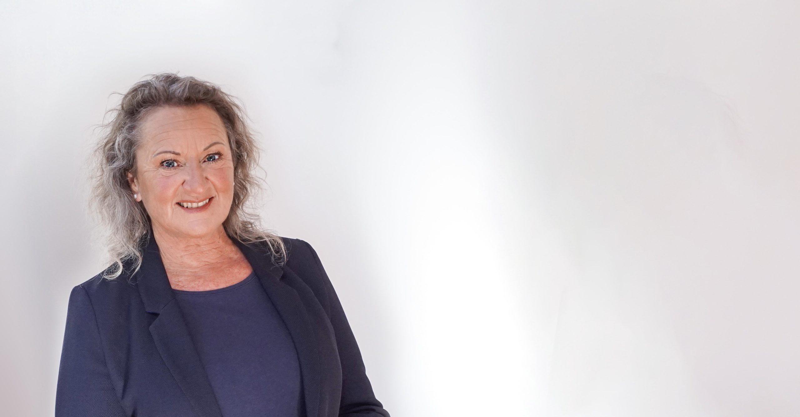 Doris Feiler-Graziano System- und Familienaufstellerinxis für psychologische Beratung und systemische Betrachtungen nähe Crailsheim